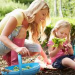 mom-and-kid-garden